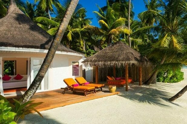 Vilu Reef Beach Villa